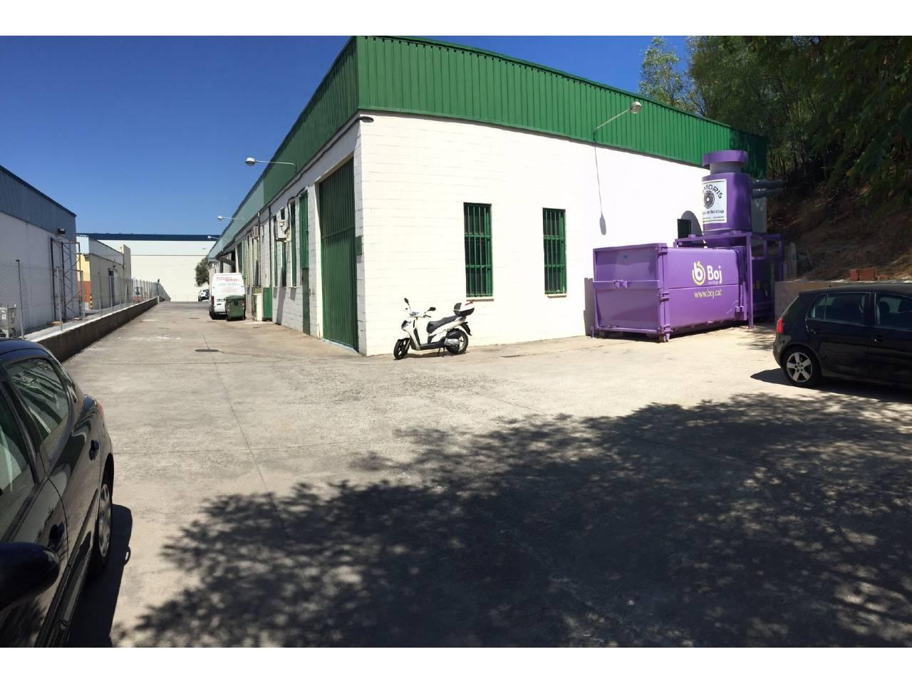 Nave industrial en venta en Barberà del Vallés