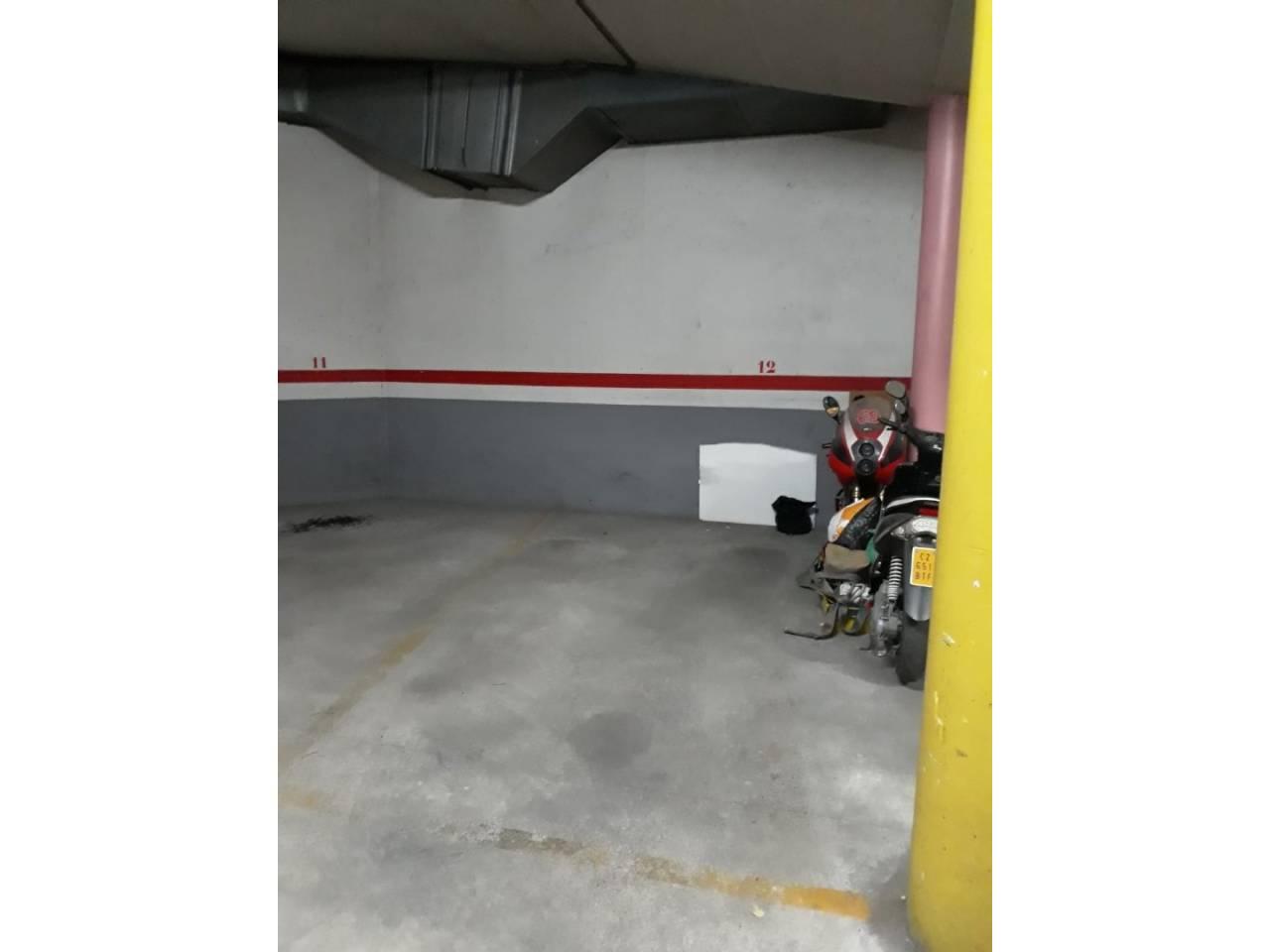 Parking en venta en zona Mercat –  Rubí