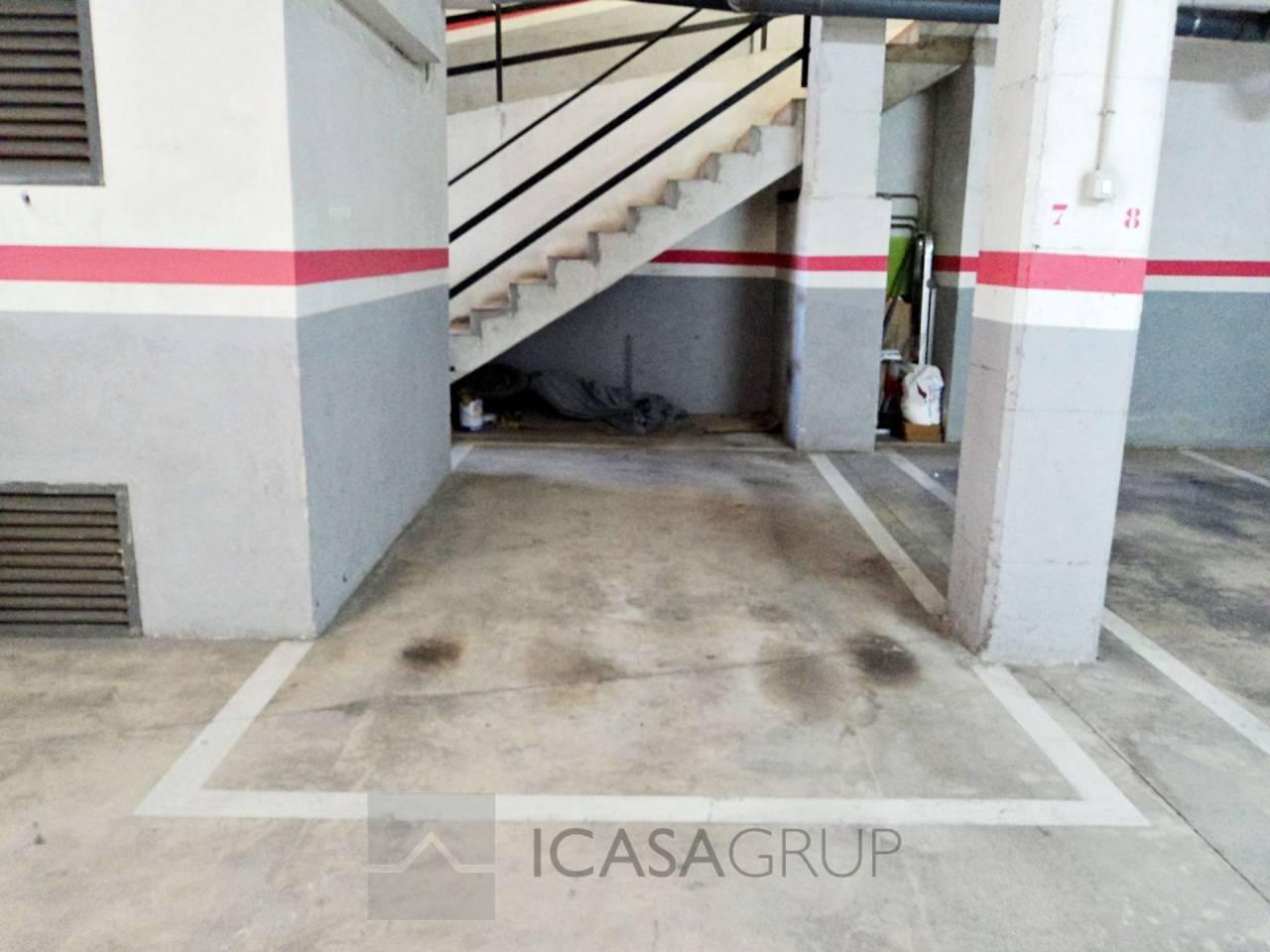 Parking en venta para coche grande en zona Mossos – Rubí