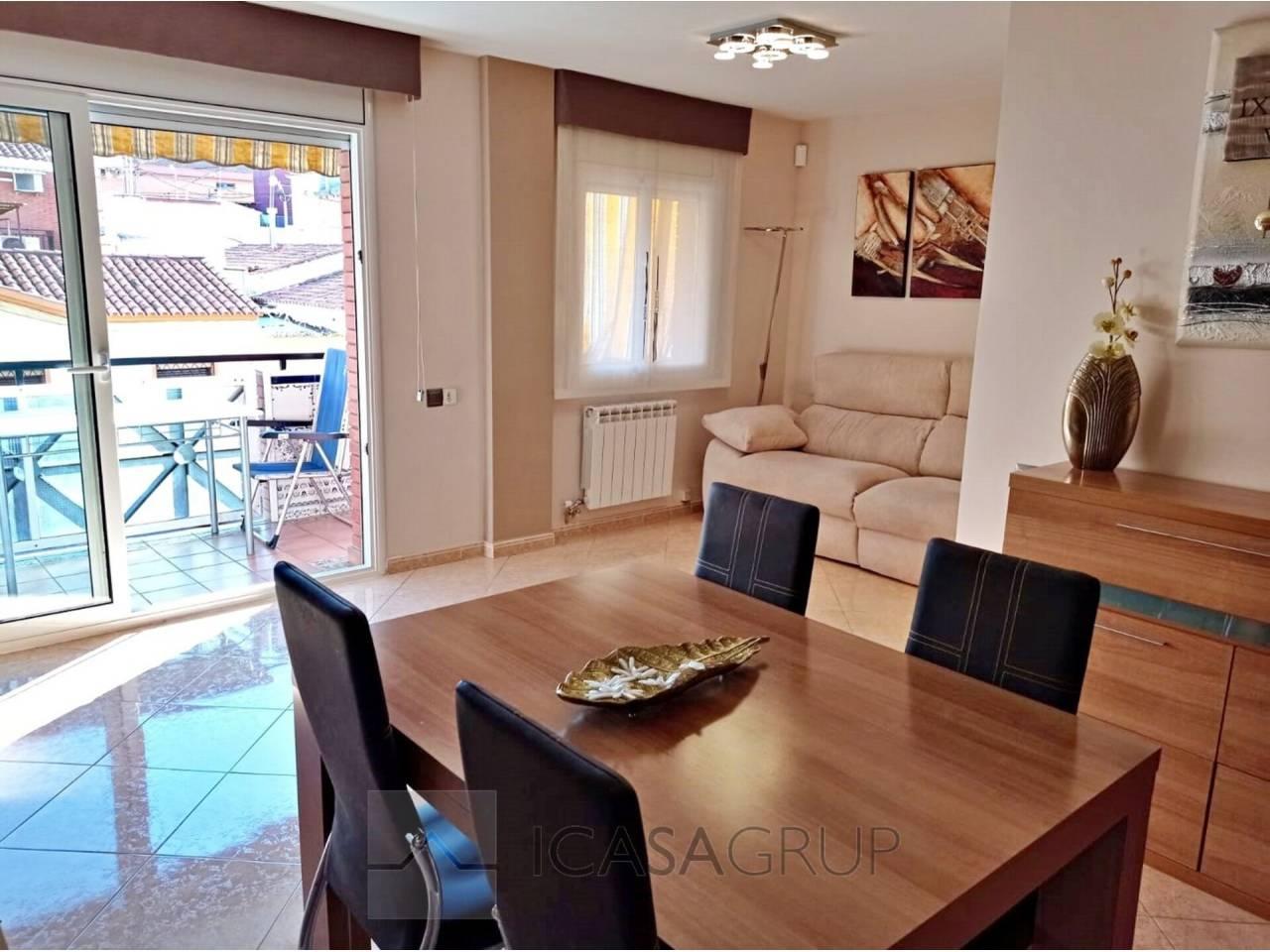 Piso de 3 habitaciones, con terraza y balcón en Zona Nord-Rubí