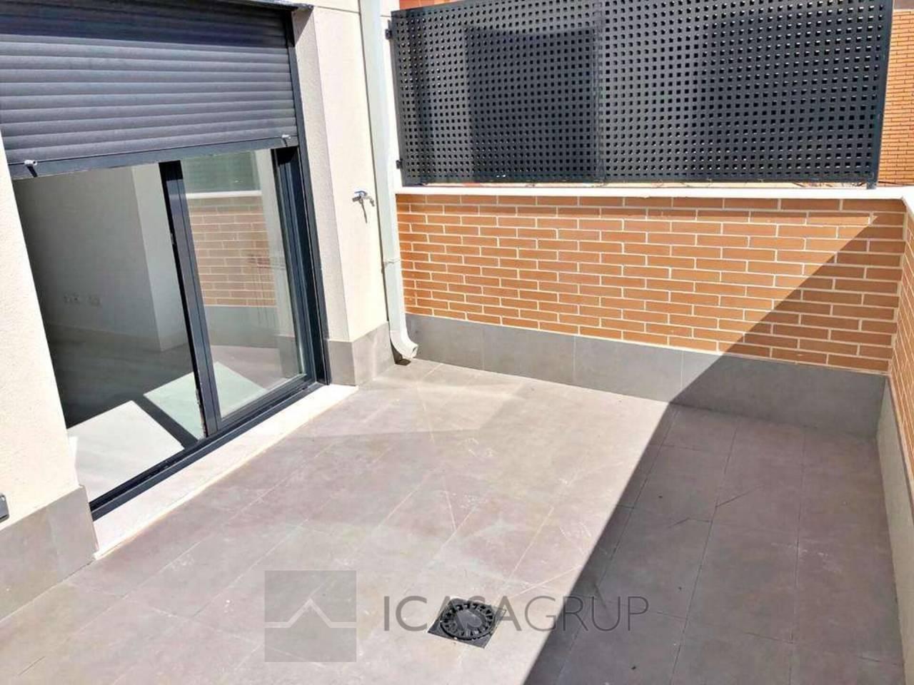 Piso amplio y luminoso con terraza nuevo a estrenar en Numancia-Madrid