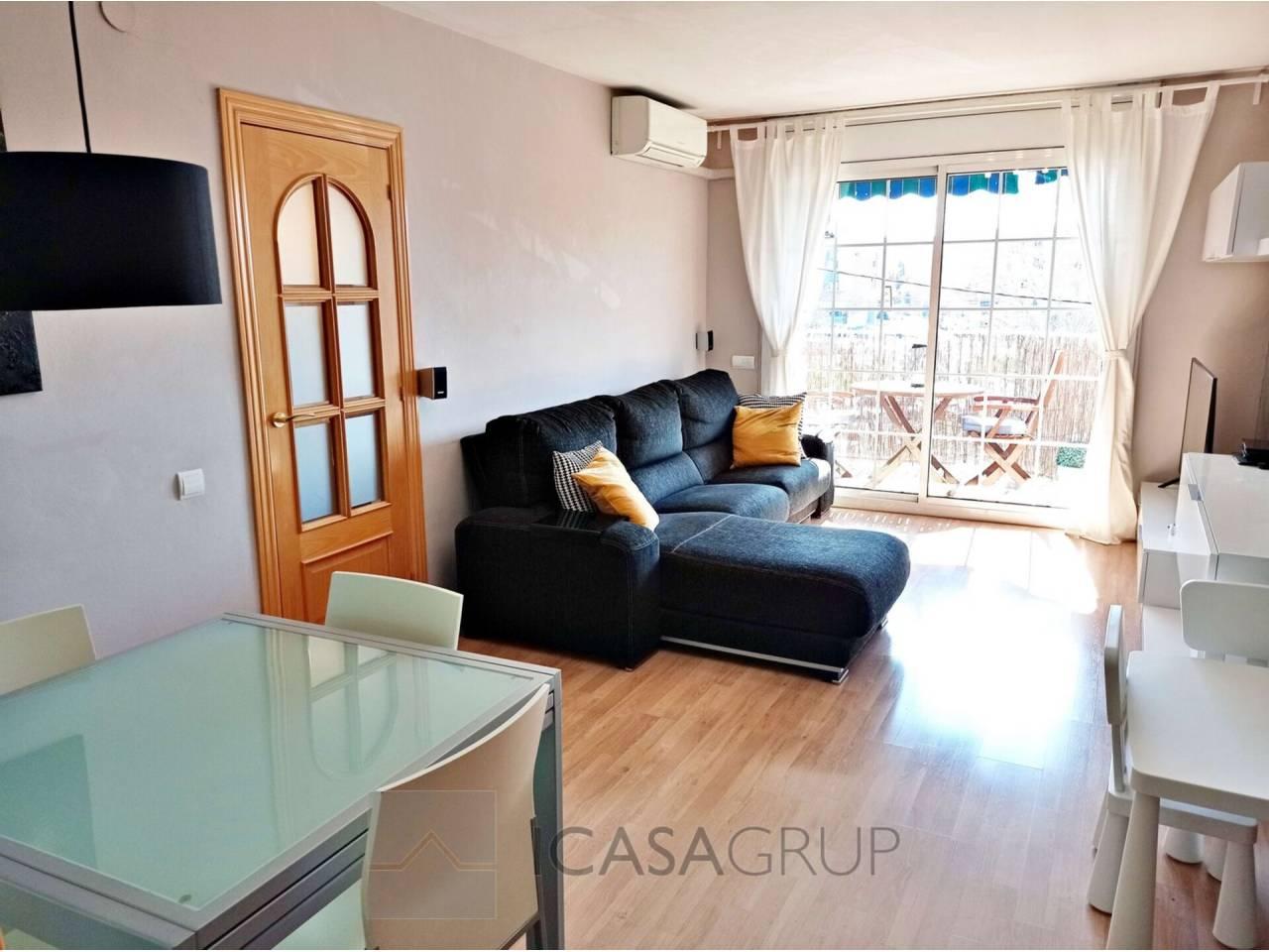 Piso totalmente reformado de 3 habitaciones con balcón en Ca n´Oriol-Rubí