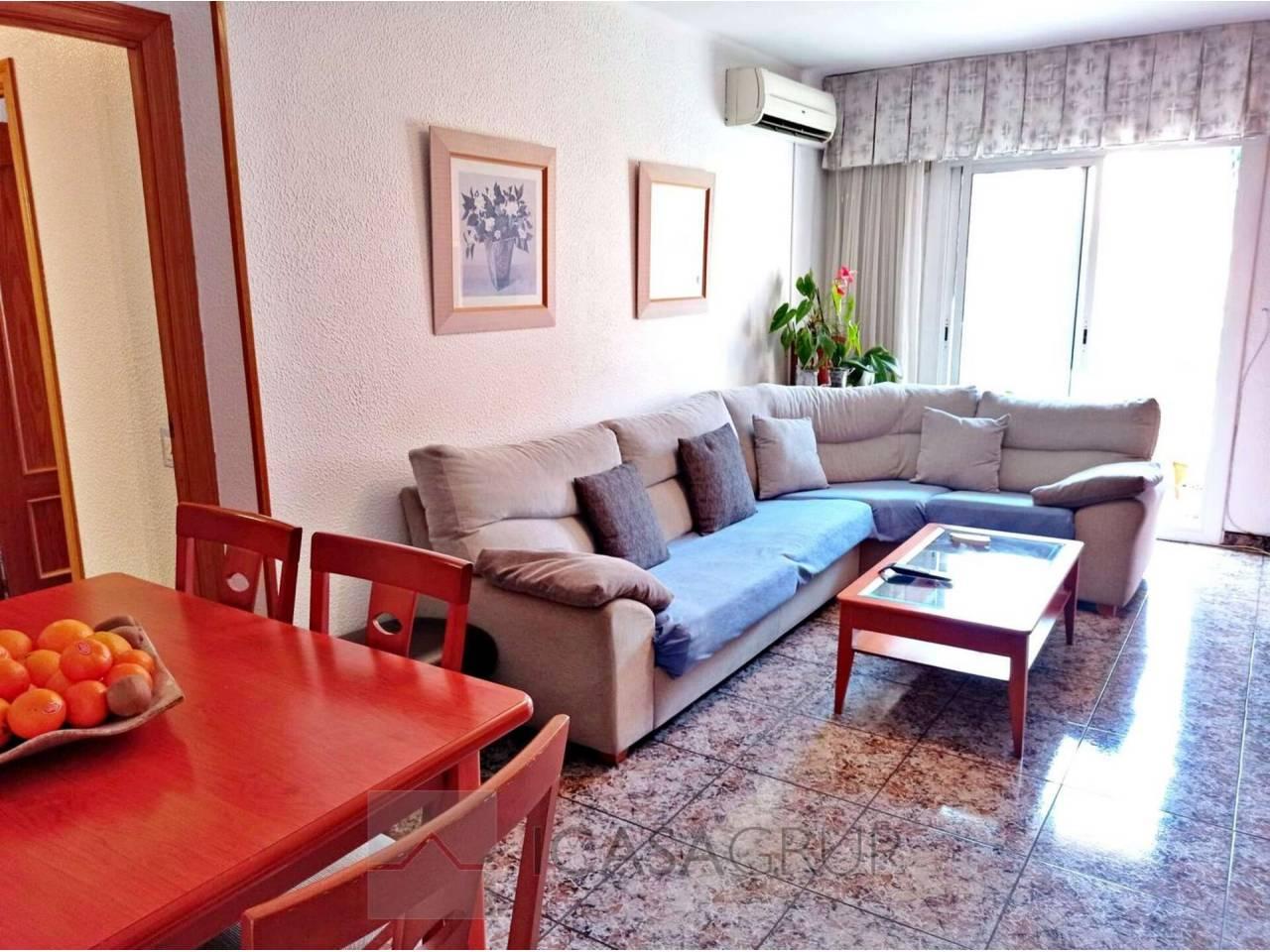 Piso de 3 habitaciones con balcón en la zona de Mossos-Rubí