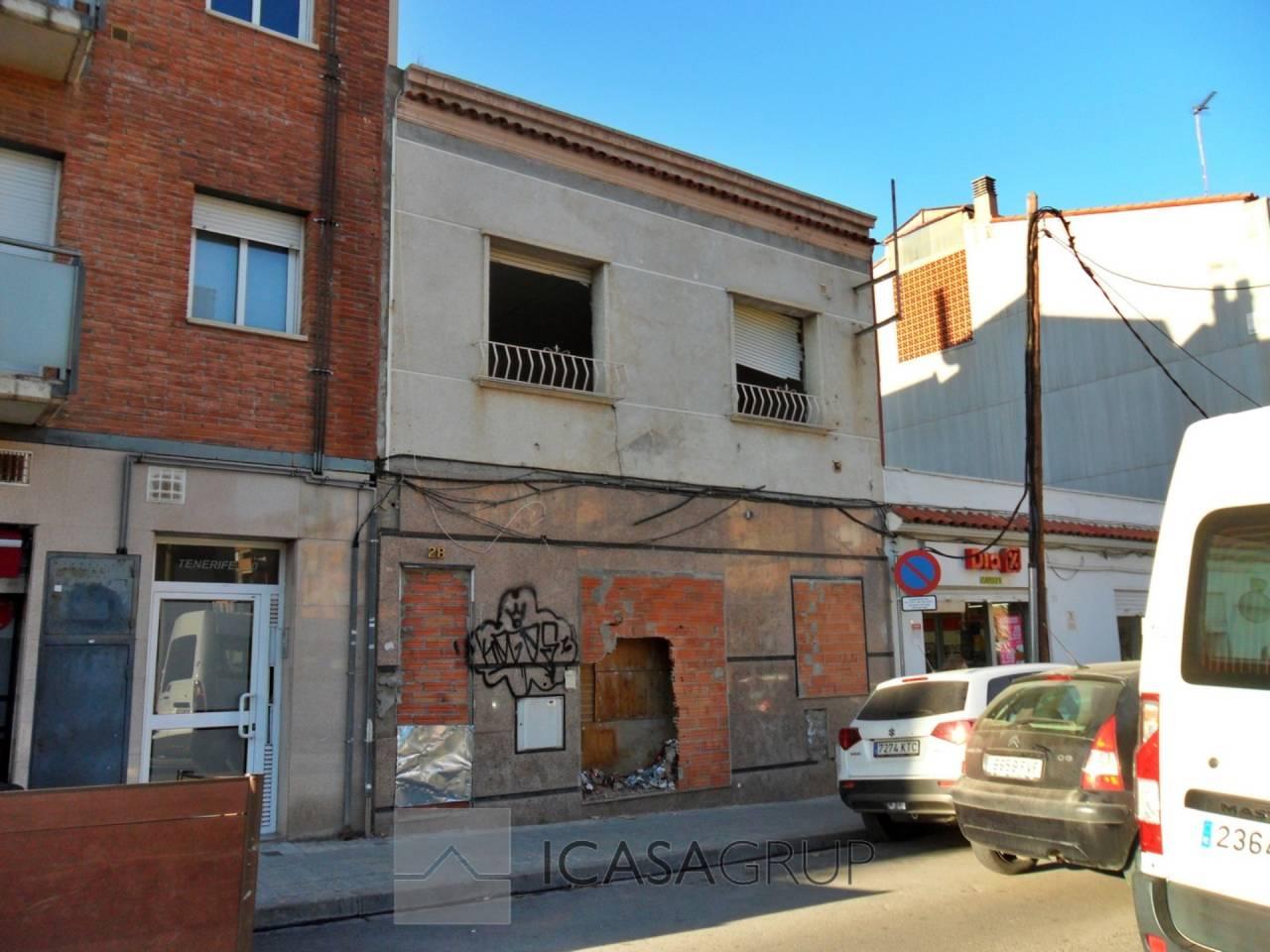 Casa unifamiliar de dos plantas a reformar en Can Rull – Sabadell
