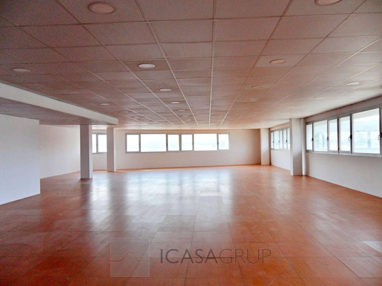 Oficina esquinera a estrenar en Edificio Collserola – Sant Cugat