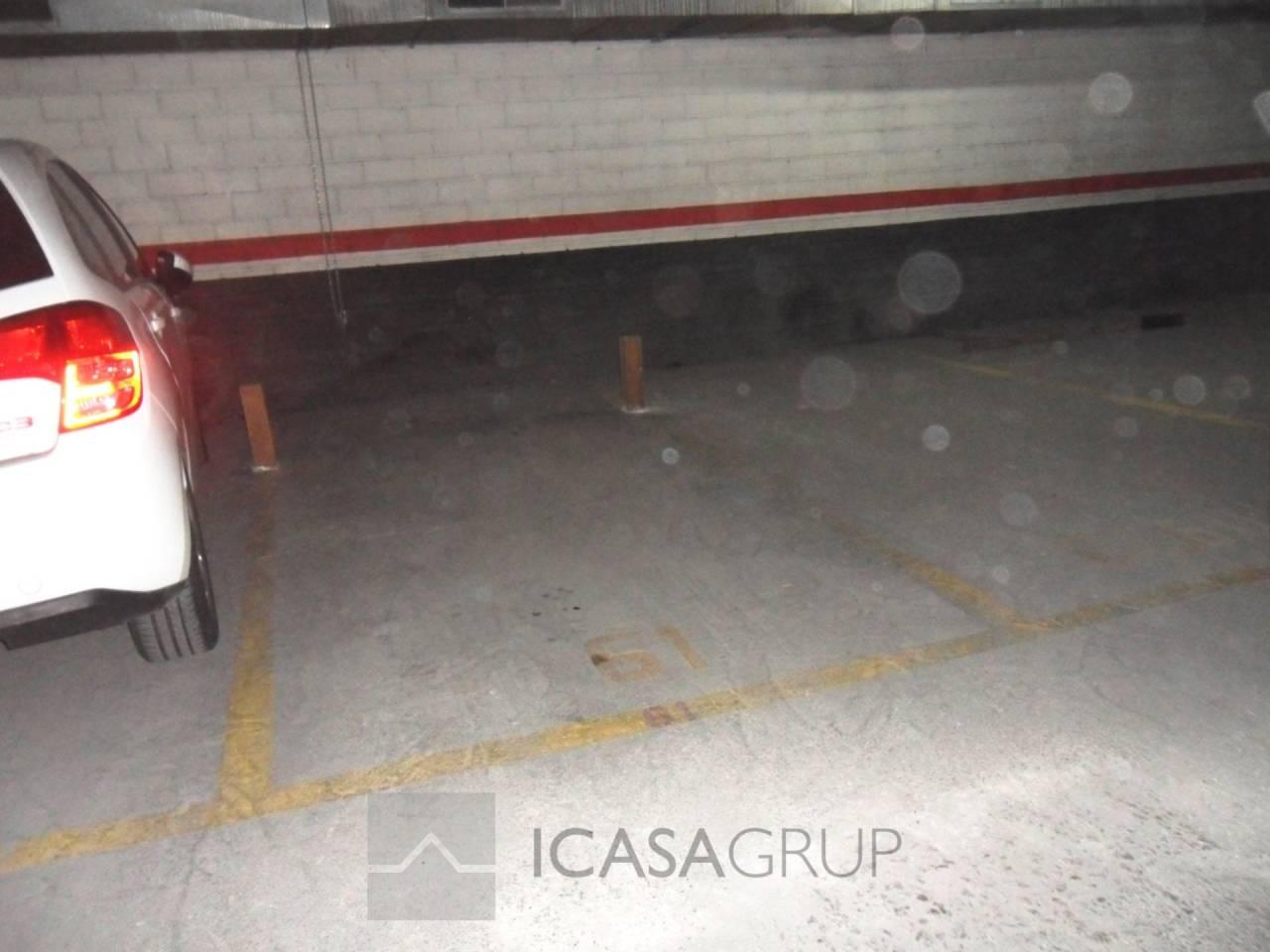 Parking en venta en el centro de Rubí