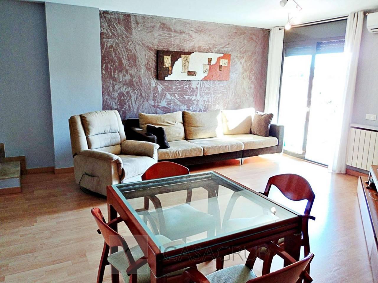 Duplex semi-nuevo, muy amplio y en perfecto estado en Rubí